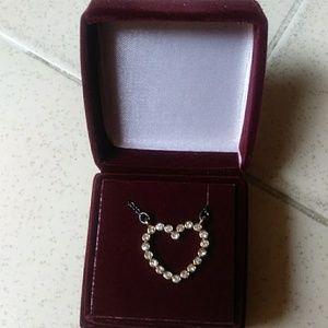 Avon goldtone rhinestone heart necklace & gift box